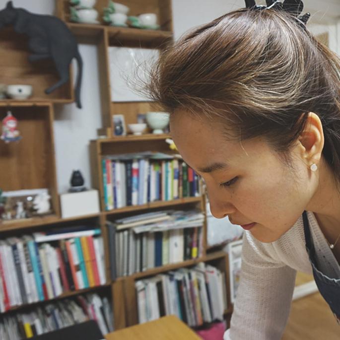 도예가 김여옥, 고양이에게 양귀비 꽃잎을 달다 -②