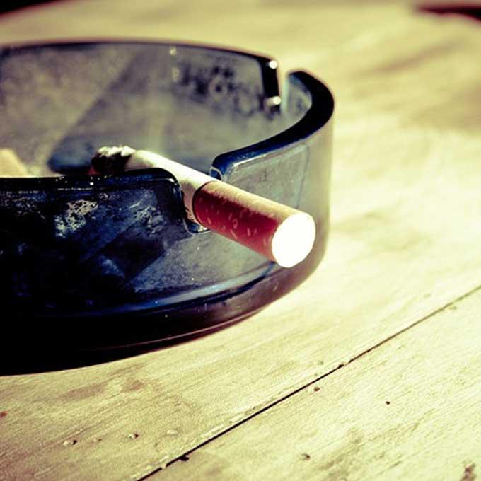 Q. 집사의 담배 연기가 암에 걸리게 한다던데…